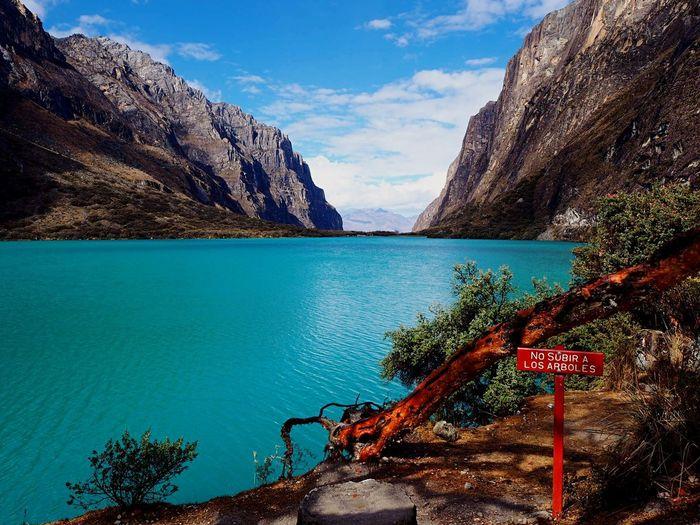 Laguna Chinancocha, Corillera Blanca, Peru Beautiful Place Peru Huaraz CordilleraBlanca Laguna Chinancocha Water Sky Nature Mountain Beauty In Nature Tranquility