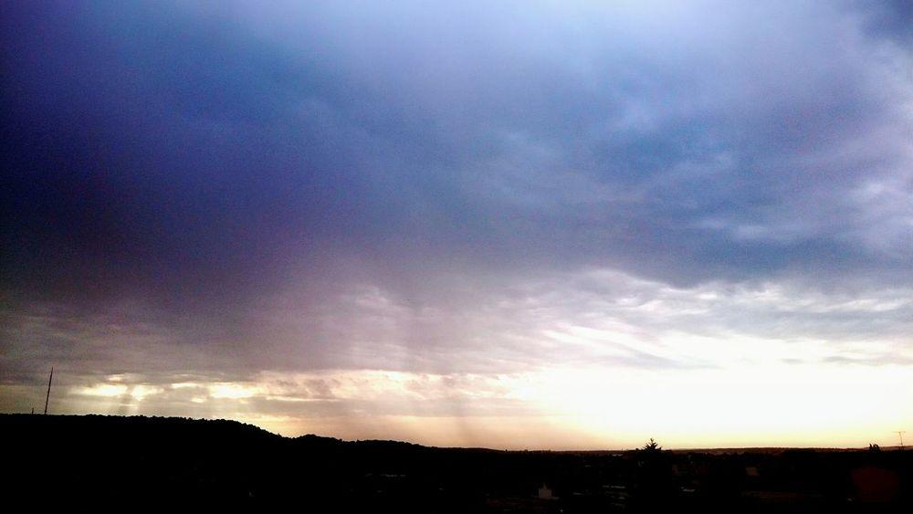 Ciel D'orage ... Paysage Urbain