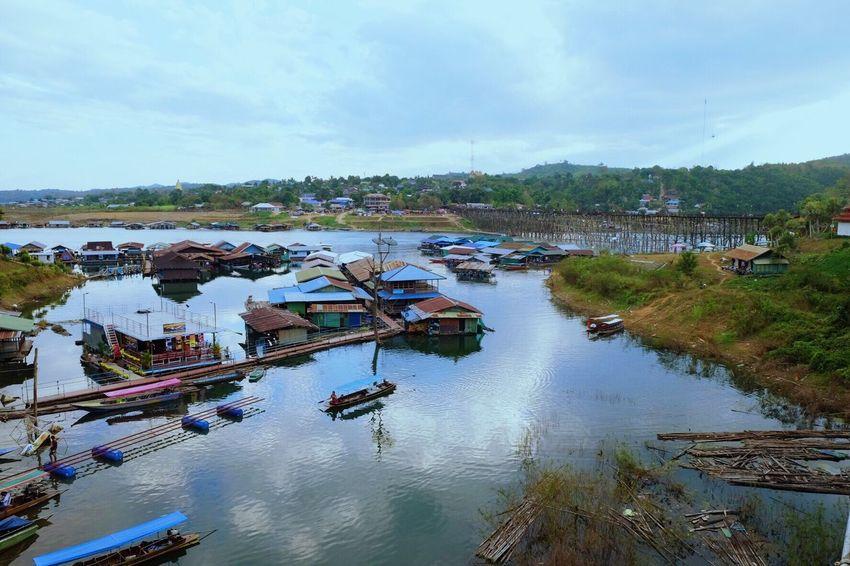 Village on the water Life Village Life Water River Kanchanaburi Sangklaburi Thailand Traveling Amazing Amazing View