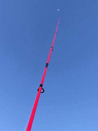 비행기를 낚다 EyeEm Best Shots AirPlane ✈ Blue Sky Clear Sky Low Angle View Day Tall - High 17.62° Red