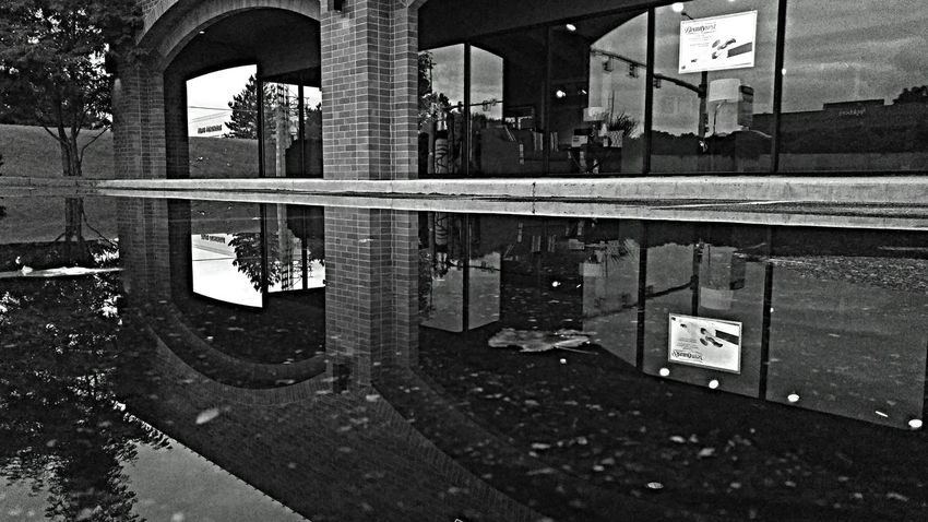 Arches... Puddlegram Lgmobileusa Cellphone Photography Blackandwhite Photography Water Reflections Realphotography Puddle Reflections Creative Light And Shadow