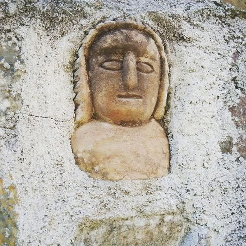 Who is that face carved in stone? What mysteries? Amazing Portugal Topdestinos Enjoying Life Outdoors Topdestinations Arch Place Of Worship Holiday Religion Spirituality Entering The Unkown