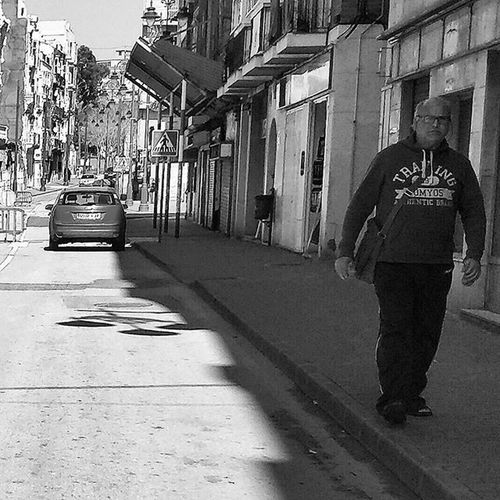 Gym guy Blackandwhitephotography Blackandwhite Bnw Bnw_maniac Bnwlovers Monochrome Bnw_lover Bnw_lovers Mono Streetphotography Streetphotography Blackandwhite_streetphotography