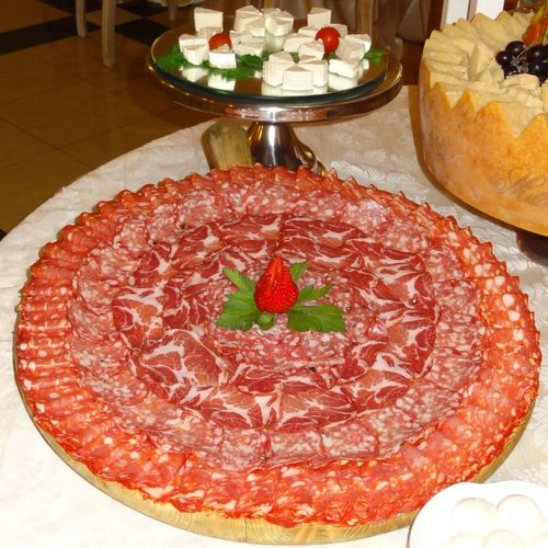 Cured Meat Salumi Food Food And Drink Dessert Sweet Food Sweet Freshness Ready-to-eat Table Strawberry No People Serving Size