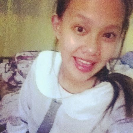 Done with my 5 crappy (jk) essays. I shall rest.,or change clothes maybe? ?? Ilovewriting Eyebags English Student
