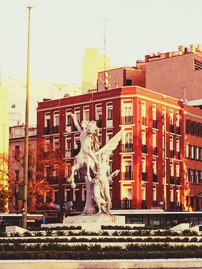 Statue Architecture Built Structure Building Exterior Sculpture Human Representation Outdoors City Travel Destinations Day Sky No People Clear Sky Close-up City Architecture Fontain