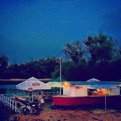 A sok a jóból ránk fért már Budapest Obuda Római Part Froccs Love Summernight Summer Józene Downbytheriver Danube Szeretemeskesz Mylove @nikola.vegh