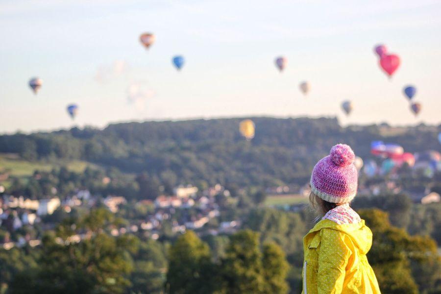 Hot Air Balloons - Mass Ascent Bristol Ballooning Festival Balloonfiesta  Focus On Foreground One Person Hot Air Balloon The Week On EyeEm