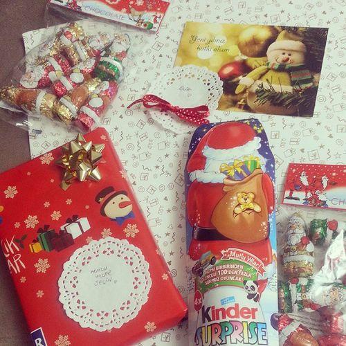 Kızların hediyeleri hazır ? ? Gift Yeniyılheyecanı Yılbaşıkafası Happy newyear chocolate kinder surprise