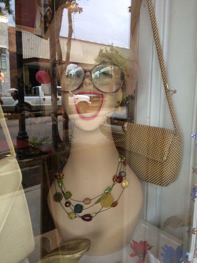 Kitsch Oder Kunst Window Shopping