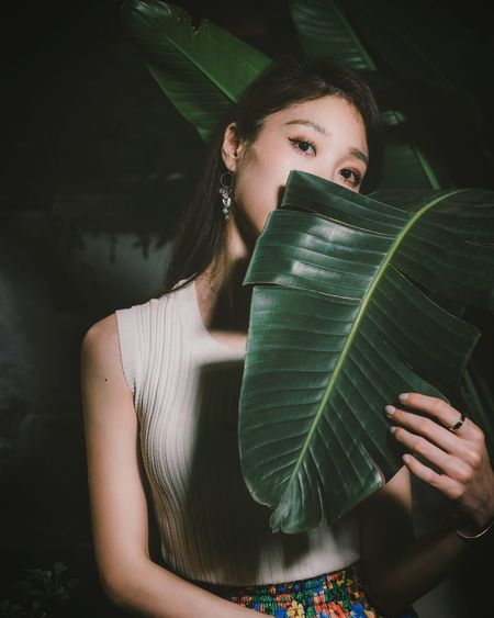 EyeEm Selects Portrait Young Women Women Beautiful Woman Leaf Front View Close-up Green Color