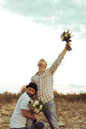 Bestfriend Boys Will Be Boys Flowers Flowers_collection Funny Funnyguy Funnypictures GoodTimes Groom Humor Laughing Out Loud People Of EyeEm Photooftheday This Week On Eyeem Wedding Photography Being Silly Open Soul Photography