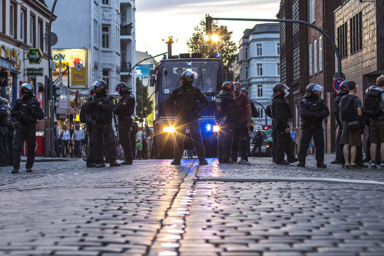 G20 Demonstration 2017 Fear G20 Gipfel G20 Summit Hamburg Light NOG20 Policeman Polizei Uniform Wall Axvo Demonstration Demonstrations  Dummheit Evening G20 Hamburg Police Police At Work Police Car Police Force Scare Street Streetphotography Stories From The City Focus On The Story The Photojournalist - 2018 EyeEm Awards