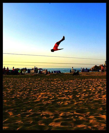 Adventure Club Slackline Tricks Sunset Nature Sky Landscape Training Air High Panoramic Giros Slacker Cinta Exercises  Panoramic Photography Slacklife Relaxing Slackvida City Beach Sand Simple Things In Life Sea Beach Time