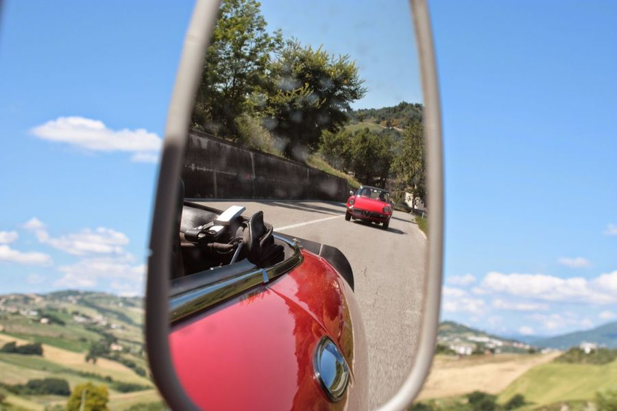 Need For Speed Roadster Mirror Red Red Car Italian Cars Alfa Romeo Summer ☀ Vintage Cars Open Air Driving Landscape Italian Landscape Italian Style Feel The Journey MeinAutomoment Travel The Drive