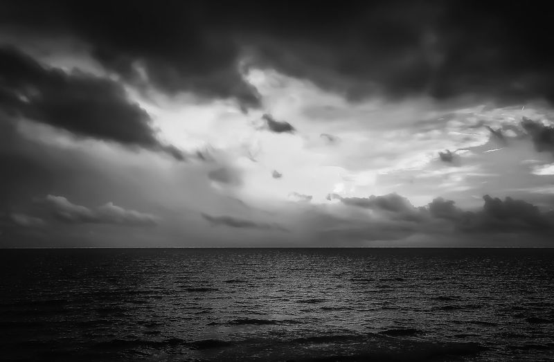 Sea Blackandwhite Horizon Over Water Water Tranquil Scene Scenics Sky Cloud - Sky Waterfront Idyllic Ethereal Nature Beauty In Nature Beach Outdoors Tranquility Walking Around Summer Taking Photos Ocean