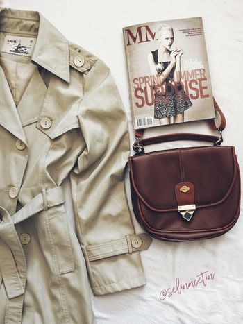 Fashion Moda Fashion Trenchcoat #Bag Photo #detail Text Clothing Close-up