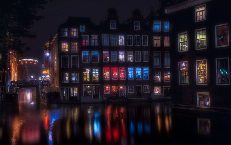 *** Get my NEW Dutch 2019 Vol 1, Vol 2 & Vol 3 with 105 brand new Lightroom-presets normal price €102 ,- Now only for €21,- *** ***** Or together with my 8 Collections from the webshop www.remoscarfo.com with a total from over the 357 presets, worth €352,- for only €57 ***** For more info remoscarfo@icloud.com Remo SCarfo Amsterdam Dutch Holland EyeEm Best Shots Reflection Illuminated Night Architecture Water Waterfront Built Structure Building Exterior No People Multi Colored Building City Outdoors Nature Residential District Lighting Equipment River Nautical Vessel Motion EyeEm Selects