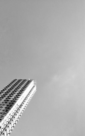Minimalism_bw Architecture Built Structure Building Exterior Low Angle View No People Sky Day Modern Outdoors Skyscraper Travel Destinations Nature City