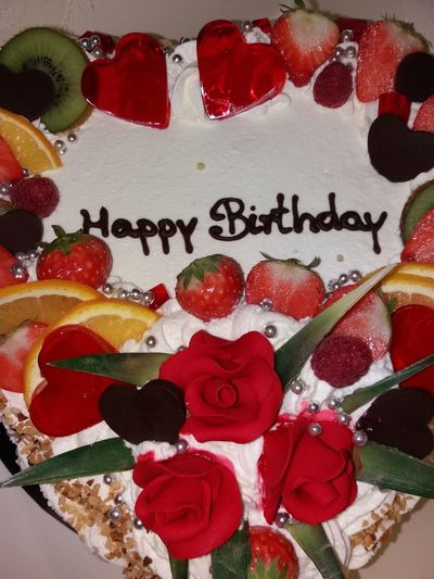 Grantham Cake Red No People Indoors  Day Yummy Byebyediet Unhealthy Eating Unhealthy But Yummy Delicious DeliciousCake Birthday Birthday Cake Birthdaycake Birthday Party Birthdayboy From My Point Of View MoistCake Sweet Sweet Moments Husbandsbirthday Ilovemyhusband Fruit FruitDecor
