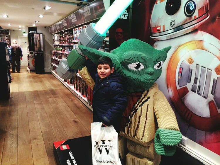 Starwars showroom london Star Wars Starwarslego London LONDON❤ StarWars Collection Starwarsday Starwar Starwars Starwars7 Showroom