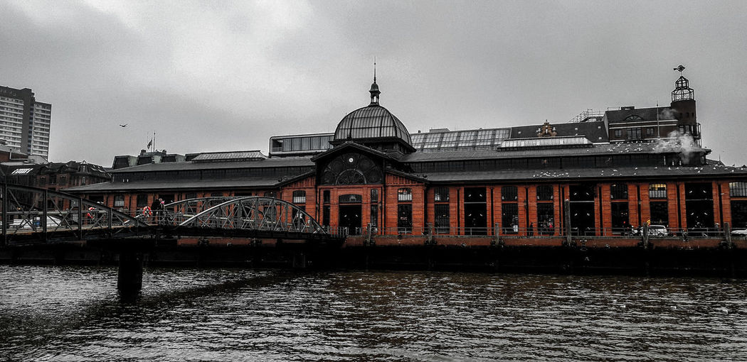 Fischmarkt Hamburg EyeEm Best Shots Hamburg Fischmarkt Fischauktionshalle EyeEm Gallery City Water Sky Architecture Building Exterior Built Structure Traditional Building Historic History Passageway