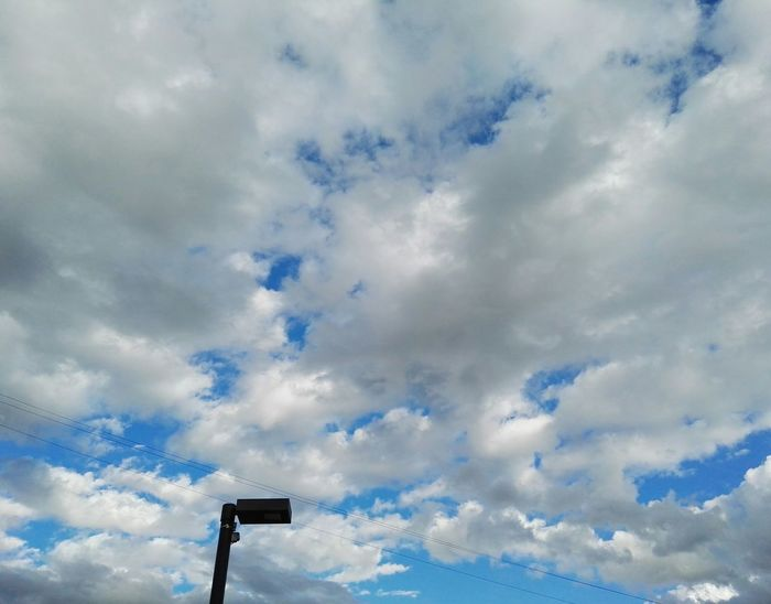 Nofilter Sky Nubes Nubes Y Cielo Taking Photos Blue Blue Sky White Fly Love Emotions Downthestreet WOW Her Mind