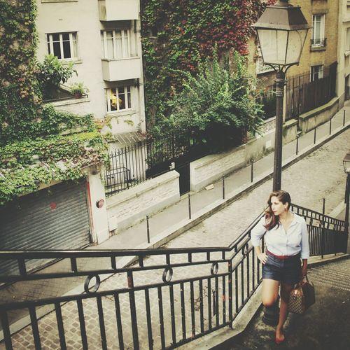 Berton Street in Paris 16 Streetphotography Street Life Fashionblogger Paris