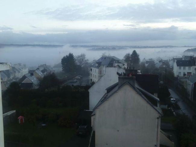 Brouillard Matinal Quimper à La Maison How's The Weather Today?