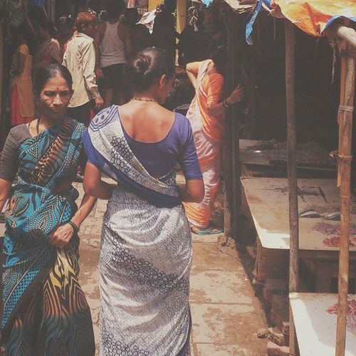 A walk around the market. WHPcandid Vscocam Mumbai Market Mumbailocal _soi _oye Wearemumbai Mymumbai Repostingindia Iiframe Bombay India Vscolover Vscolove Vscocam VSCO Inspiroindia Mumbai_igers