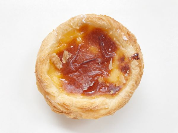 EyeEm Selects Portuguese pastel de nata / custard pie Food Food And Drink White Background Freshness Studio Shot Still Life Close-up Baked High Angle View Pastry No People Sweet Food Bun Ready-to-eat Indoors  Day