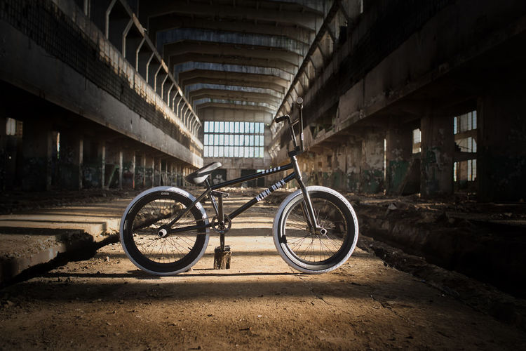 Abandoned Absence Architecture Bicycle Bmx  Bmxlife Building Built Structure City Concrete Day Land Vehicle Mode Of Transportation No People Obsolete Old Outdoors Run-down Stationary Transportation Wall Window