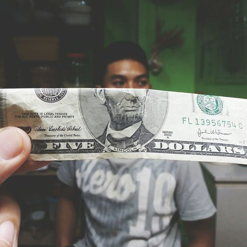 Yes! I got my hands on em Lincoln.. Anyone willing to help me take more pictures like this? You could send me a bill from any country that has a face on it.. 😁👌 hahaha.. Faces Samsung Galaxy Camera Detail USA Dollar Philippines EyeEm Best Shots EyeEm Best Edits Fun EyeEm Showcase: November Creative EyeEm Gallery Eyeemphotography Green Currency Eyeem Philippines EyeEm USA  Moneyface Money Hands At Work Paper View