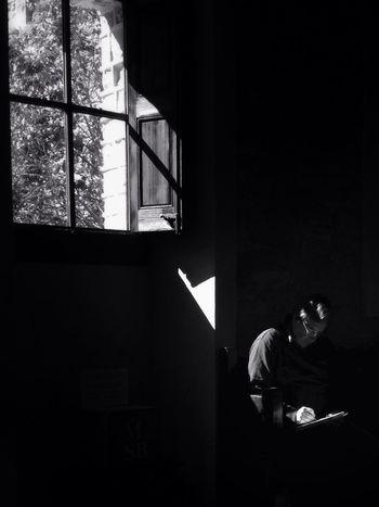 Black & White Peaceful Relax Light