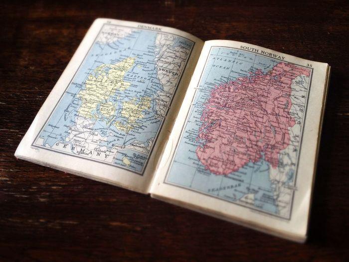 1943 Pocket World Atlas...