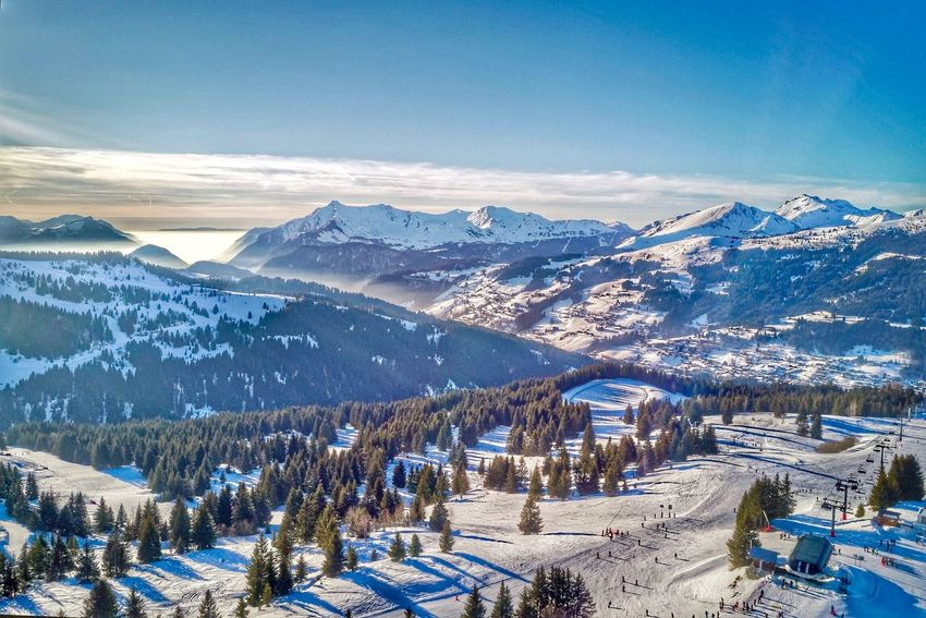 French Alps Les Gets EyeEm Selects Snow Winter Cold Temperature Mountain Nature Weather Snowcapped Mountain Mountain Range Scenics Tranquil Scene Beauty In Nature White Color Outdoors Sky Landscape Tranquility Frozen Shades Of Winter Shades Of Winter