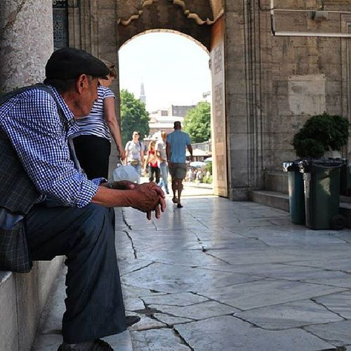 Waiting for azan SulimaniMasjid Emanonu Istanbul Amazingcity