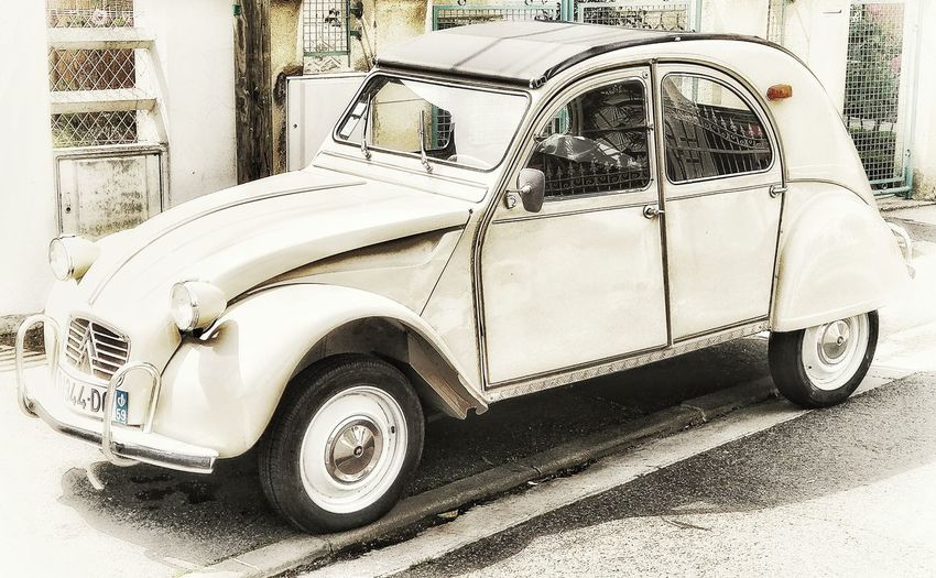 Ftench Old Car
