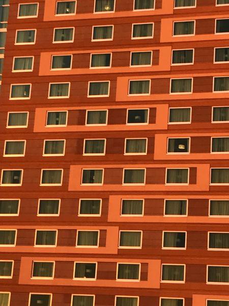 窗户 Travel Destinations The Graphic City Window Architecture Building Exterior Built Structure Full Frame Apartment Backgrounds City No People Residential  Day Residential Building Outdoors