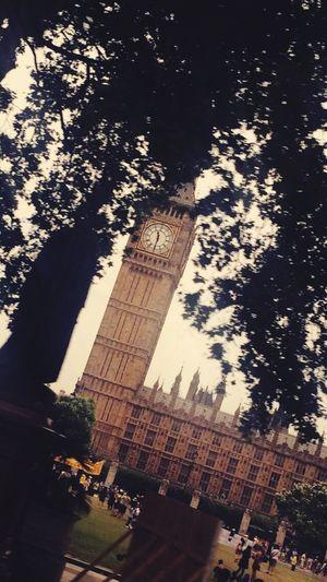 Big Ben 🇬🇧👌🏻 LONDON❤ Bigben Small Statue Parliament Takenfromawindow Sky
