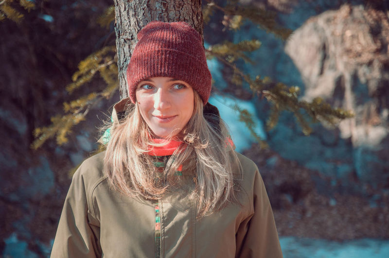 Explore Exploring Winter Trip Looking At Camera Portrait Only Women One Woman Only Adults Only Adult One Person Smiling Happiness Day Beautiful People Outdoors EyeEmNewHere Go Higher