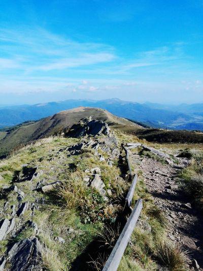 Widok ze szczytu Połoniny Caryńskiej (Kruhły Wierch) na zachód w kierunku Połoniny Wetlińskiej w pogodne wrześniowe popołudnie Landscape Tranquility Travel Destinations First Eyeem Photo