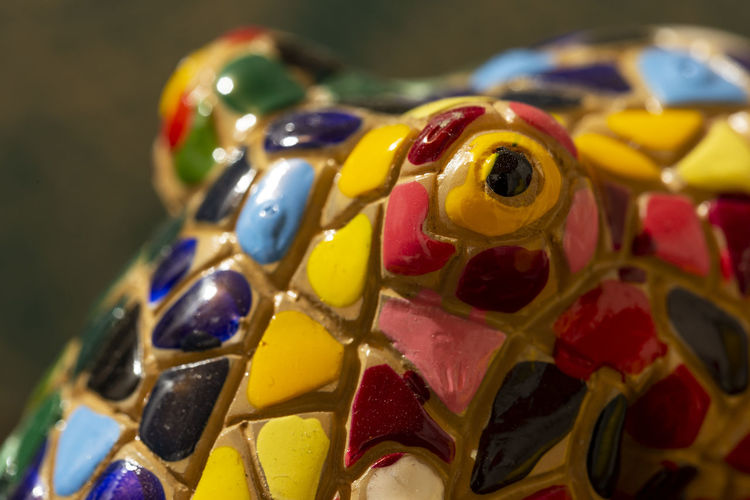 Pulo de cerámica mirando fijamente Close-up Multi Colored Selective Focus Toy Variation Representation Octopus