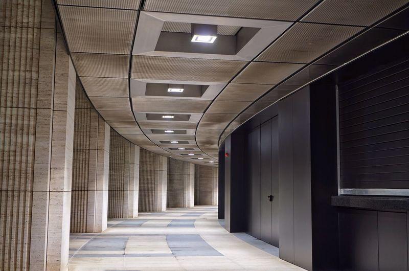 Indoors  Architecture Corridor Illuminated Built Structure No People Store