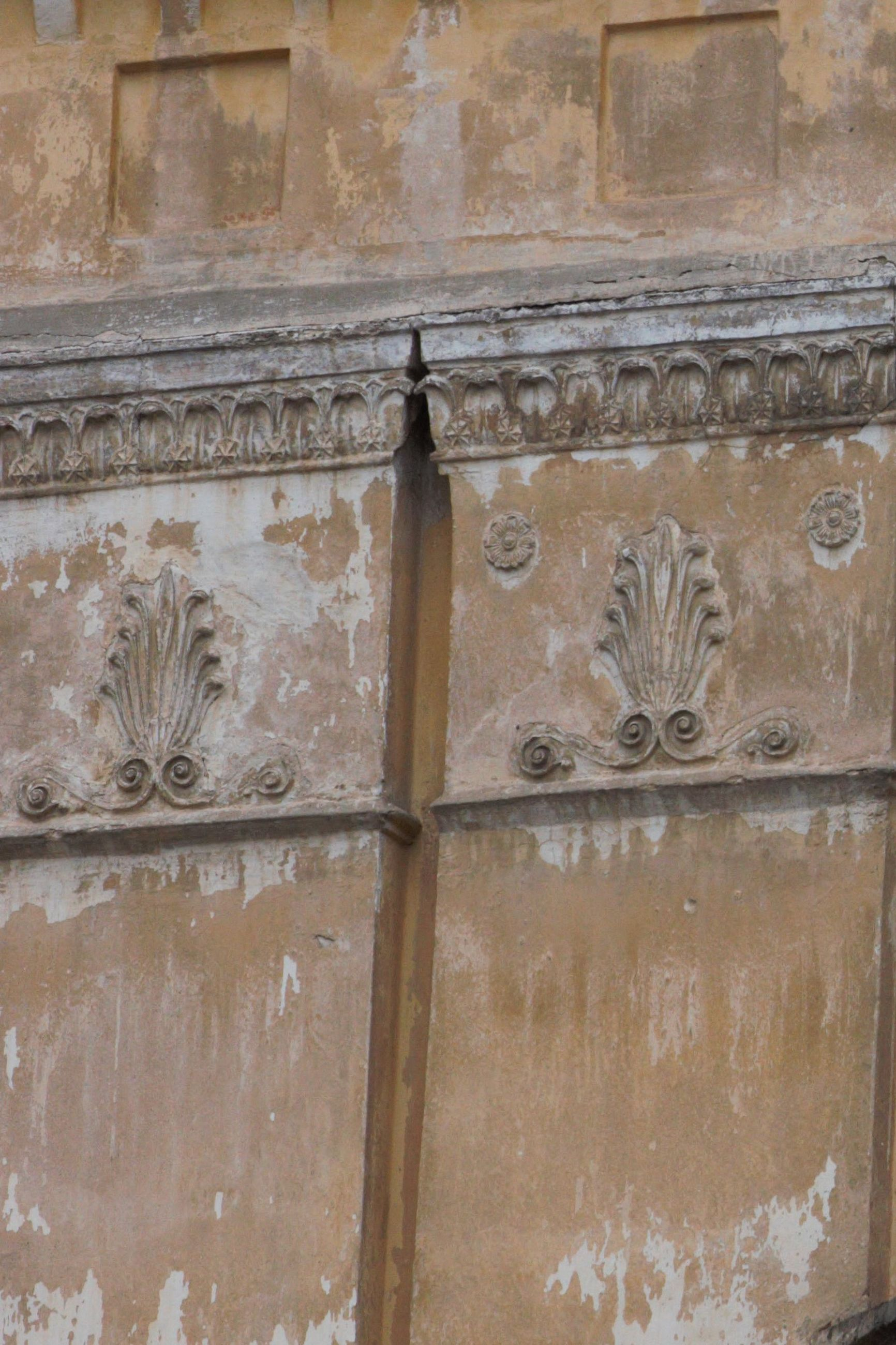 no people, architecture, built structure, old, full frame, backgrounds, day, pattern, building exterior, craft, weathered, design, art and craft, close-up, the past, creativity, history, wall - building feature, door, outdoors, floral pattern, carving, ornate