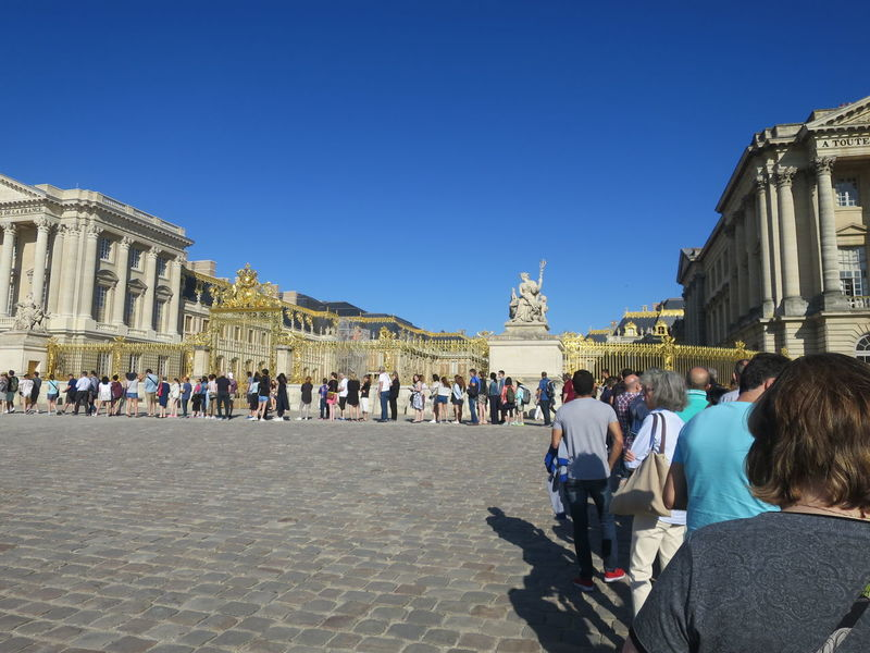 Ancient Architecture Blue Bluesky Built Structure City Clear Sky Day Façade Famous Place Gold History International Landmark Large Group Of People Lifestyles Longline Palace The Past Tourism Tourist Travel Destinations Vacations Waiting In Line