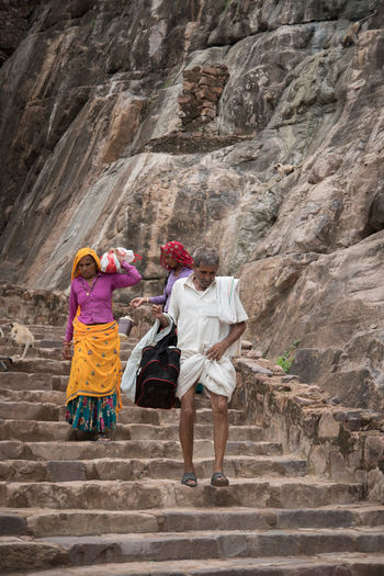 Villagers Rural India Traditional Clothing Indian Villager Outdoors Rajasthan Rajasthani Culture Rajasthanipeople Ranthambore Fort