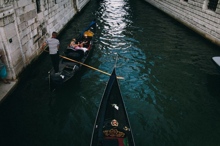 Nautical Vessel Real People Water Men Transportation High Angle View Group Of People Canal People Mode Of Transportation Day Architecture Oar Lifestyles Occupation Built Structure Adult Outdoors Gondola - Traditional Boat Gondola Venice Venice, Italy Venezia