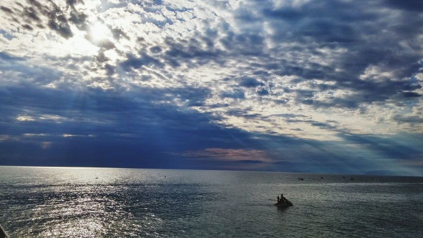 Sea Mare Nuvoloso Nave Spiaggia Molo Water Beauty In Nature Waterfront Sunlight Cloud - Sky No People Outdoors Nature Tranquility Nautical Vessel Tranquil Scene Sunset Horizon Over Water Scenics Day Jet Boat Sky