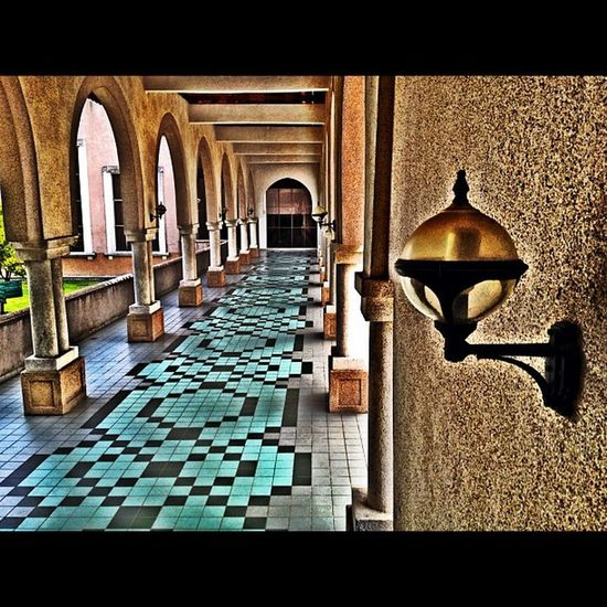 HDR Building UiA IIUM iphone4s